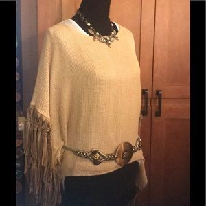 Adorable fringed Top
